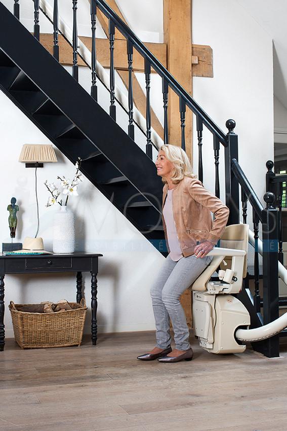 Assistance au relevage du siège monte escalier