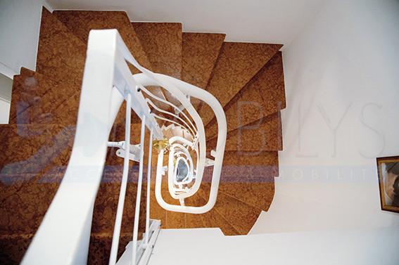 Le monte-escalier sur plusieurs niveaux