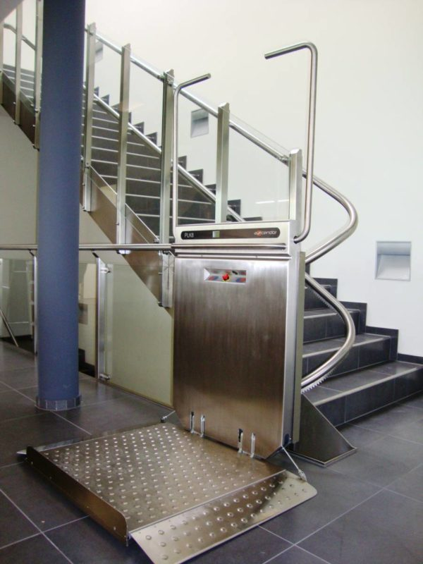 plateforme mont-escalier