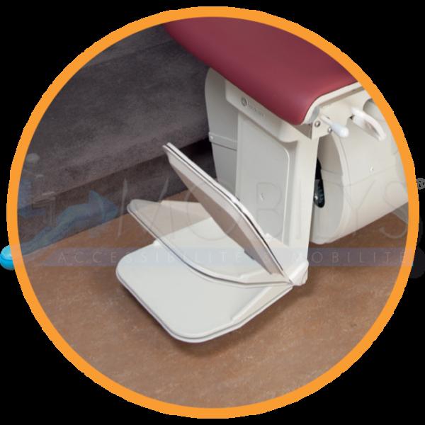 Le repose pied automatique sur le siège monte-escalier Mobilys